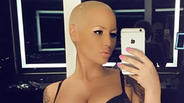 amber rose boobs feat