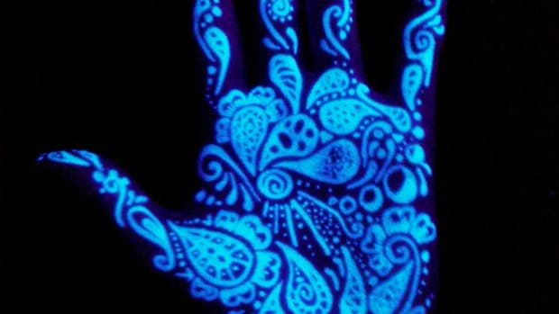 6 Blacklight palm