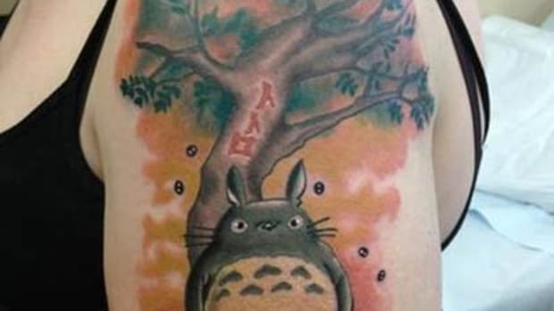 Totoro-and-Tree-By-Hoss-at-Outer-Limites