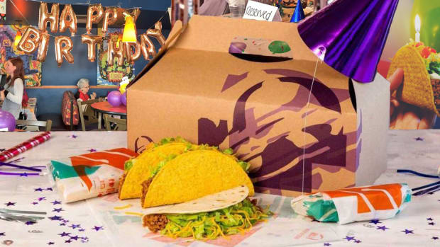 106 year old woman, taco bell birthday, taco bell, phoenix arizona, myrtis jewel painter