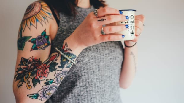 5 Ways To Protect Your Tattoos From Aging, Tattoo aging, tattoo fading, essential oils to protect tattoo, cad tattoo aftercare, how to best heal a tattoo, how to best prevent a tattoo from fading, how to best prevent a tattoo from aging, INKED