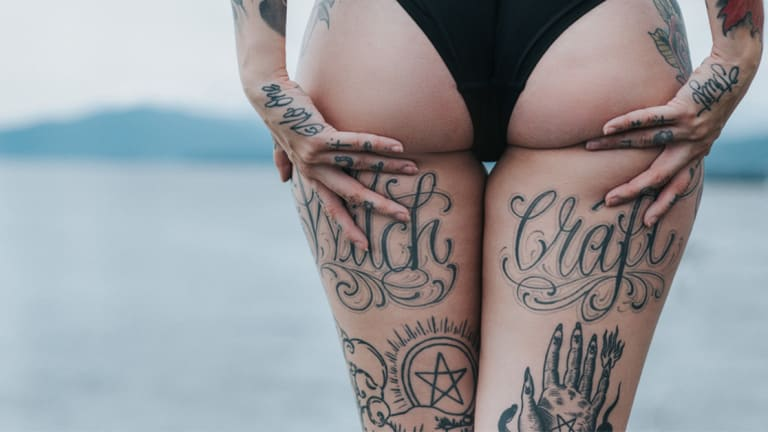 15 Hot Babes With Spooky Ink