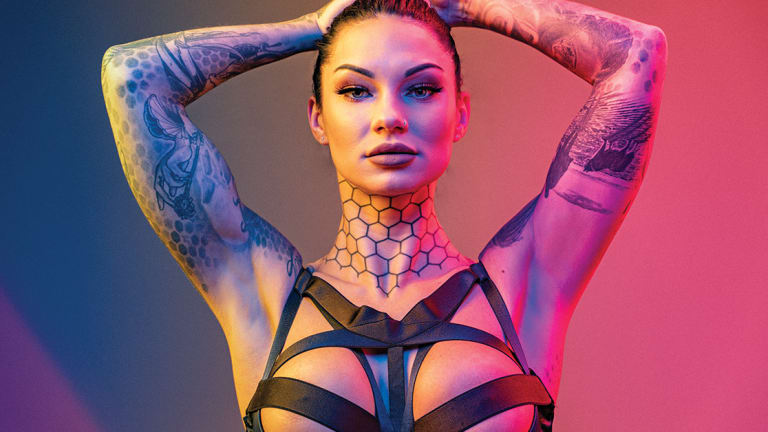 Bee Phillips Shows Off Her Ink