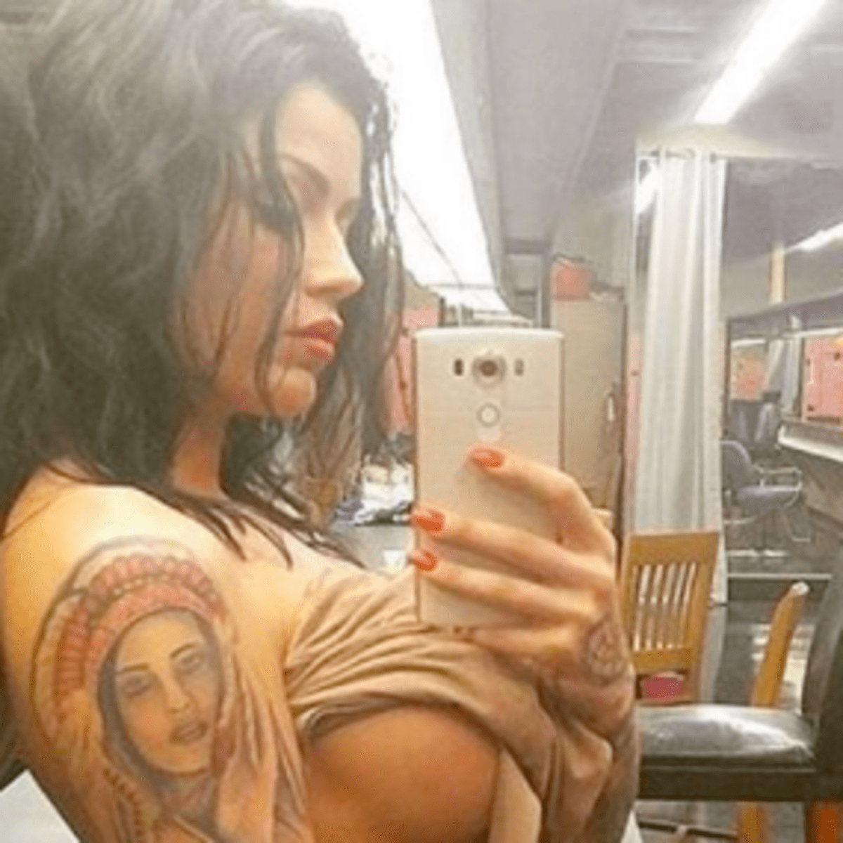 Its Hard Not To Stare At These Tattooed Hotties Tattoo Ideas