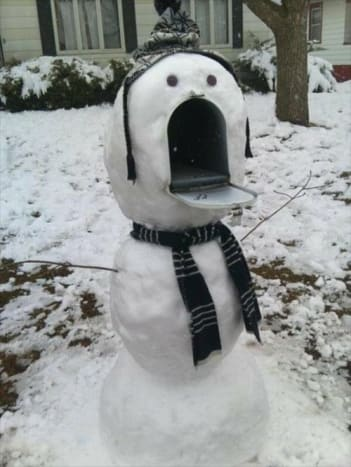 We bet the postal worker will jump out of their pants when they see this snowman.