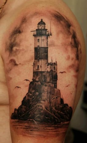 The seagulls surrounding this lighthouse (inked by Dmitriy Samohin) give it a bit of a spooky feel.