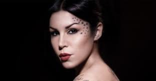 Kat Von D is not only a badass tattooer, but a world renowned beauty entrepreneur as well. Her makeup line is loved by people worldwide and many gurus swear by her products.