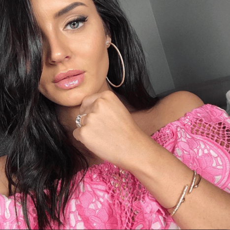 Chloe Morello is a 27-year-old influencer based in Australia.