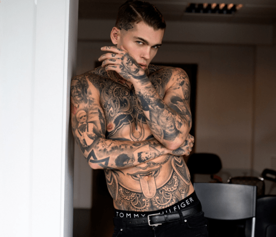 Meet Stephen James, A.K.A Elijah or @whoiselijah on Instagram. The 27 year old professional footballer tuner model. James was born in Hammersmith, London. His modeling career began when an injury ended his athletic career. He was scouted while living in Barcelona by Elite Model Management and has since then blown up as both a model and social media influencer.