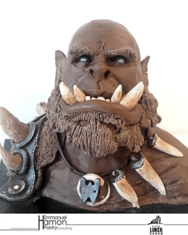 Warcraft Orgrim as 11 lbs of chocolate! Omg!! Made by @emmanuel.hamon