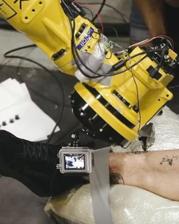 tattooing-robot-feature