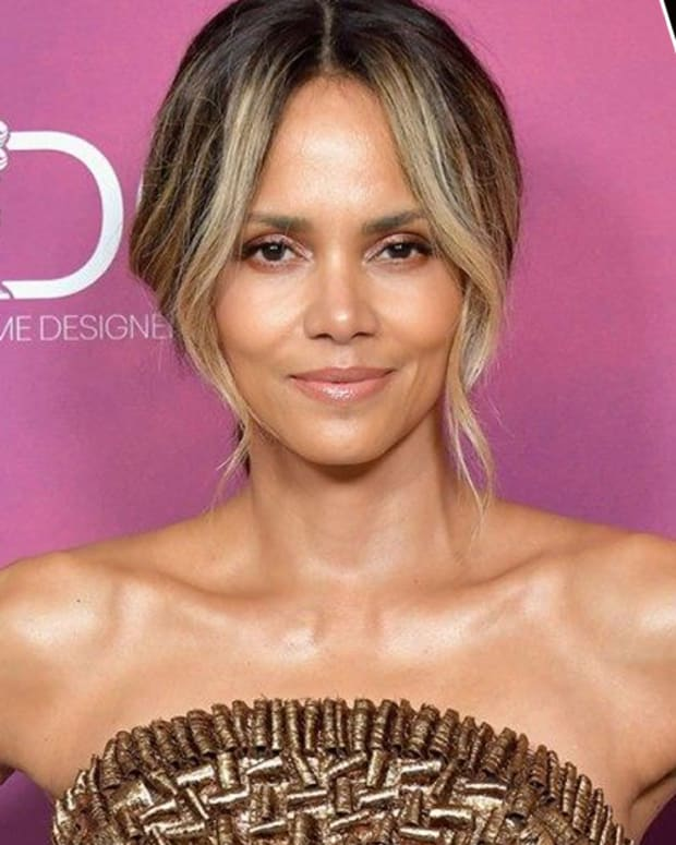halle berry, halle berry butt tattoo, halle berry back tattoo, halle berry sunflower tattoo, halle berry CDGA, halle. berry instagram, celebrities with tattoos, celebrity back tattoos, INKED