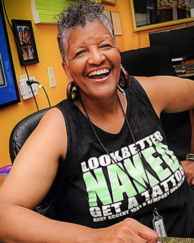 Jacci Gresham, oldest tattoo shop in Louisiana, first African American female tattoo artist, African American female tattoo artist Jacci Gresham, Aart Accent Tattoos & Body Piercing, INKED