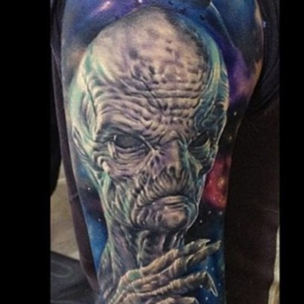 602fb1f6c5a42b Tattoos That Are Out of This World