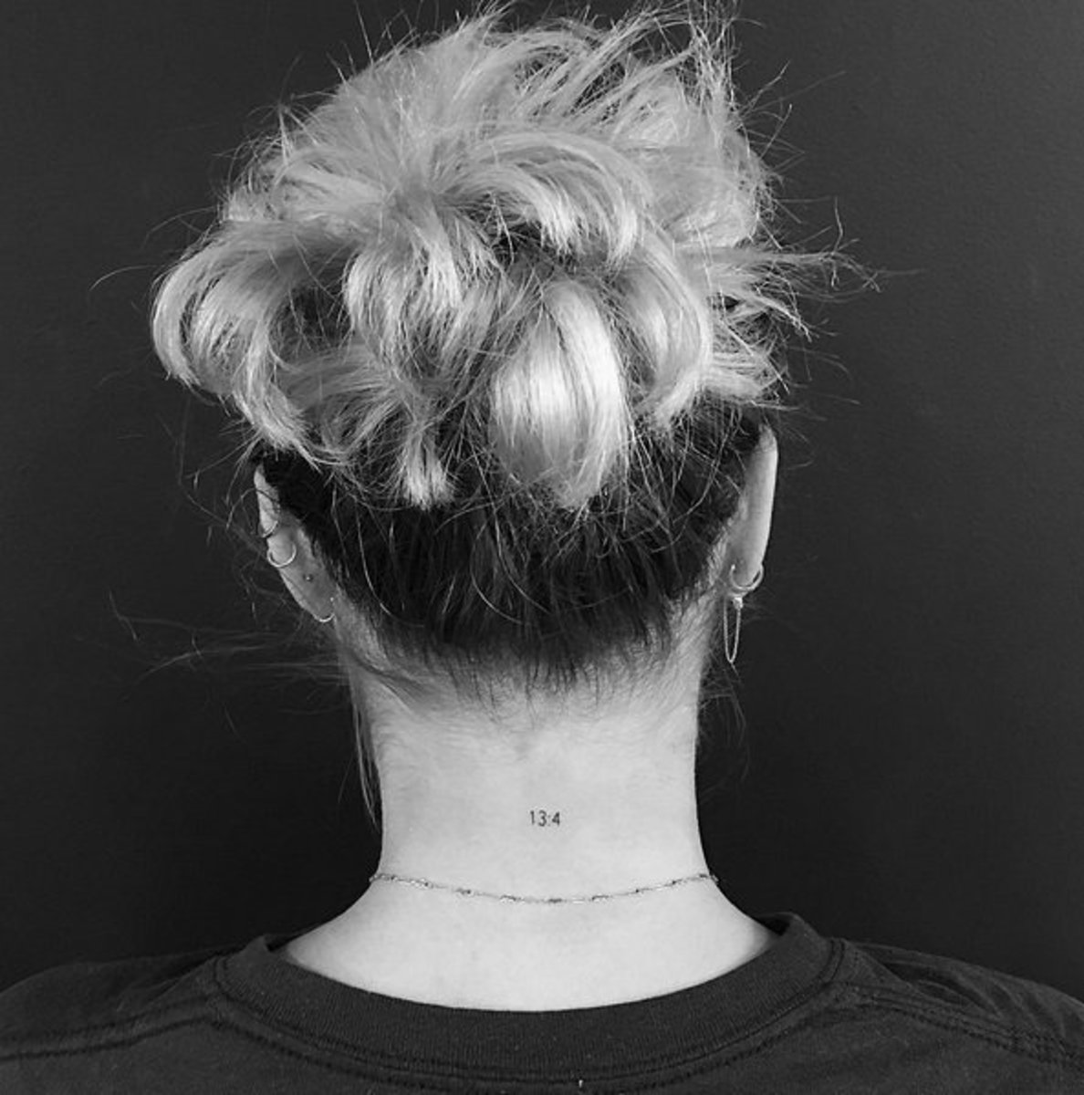 sofia richie neck tattoo