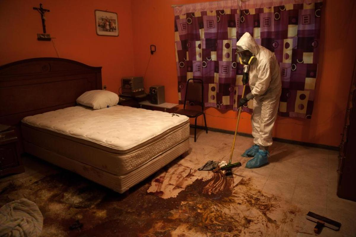the-shocking-reality-of-crime-scene-cleanup-6