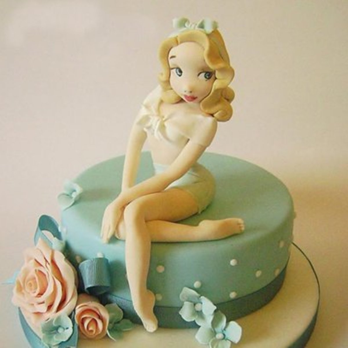 Pleasant Pin Up Cakes Tattoo Ideas Artists And Models Funny Birthday Cards Online Sheoxdamsfinfo