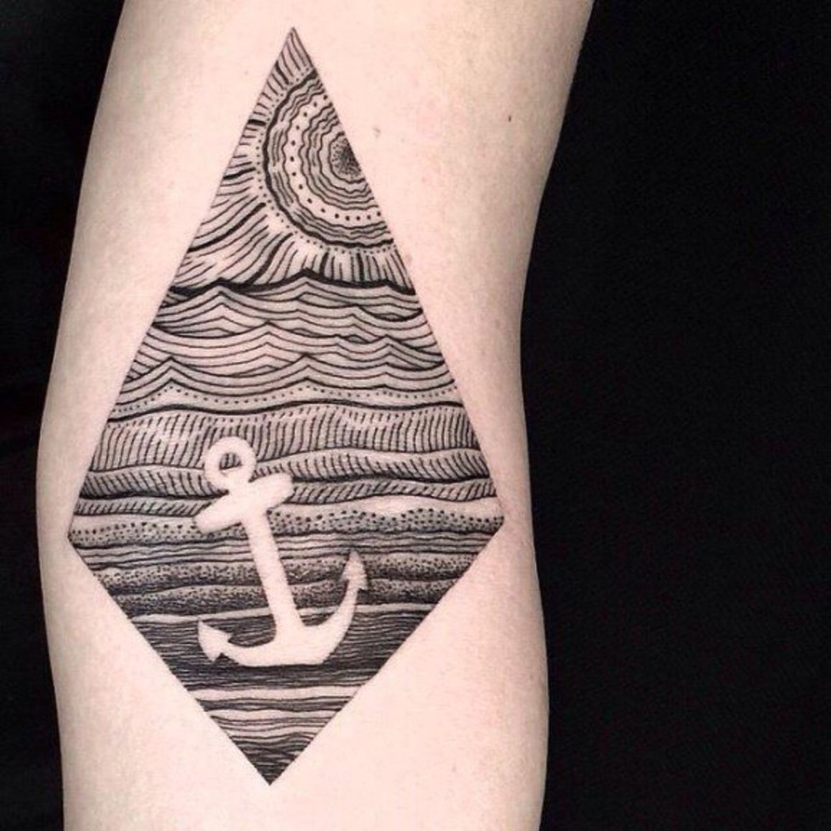simple-anchor-tattoo