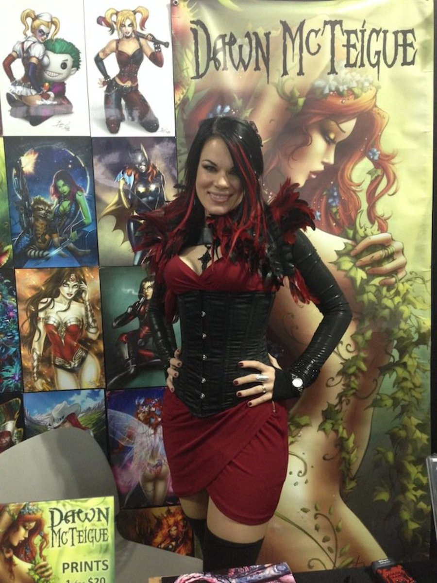 McTeigue at her booth in Artist Alley at the 2014 New York Comic Con