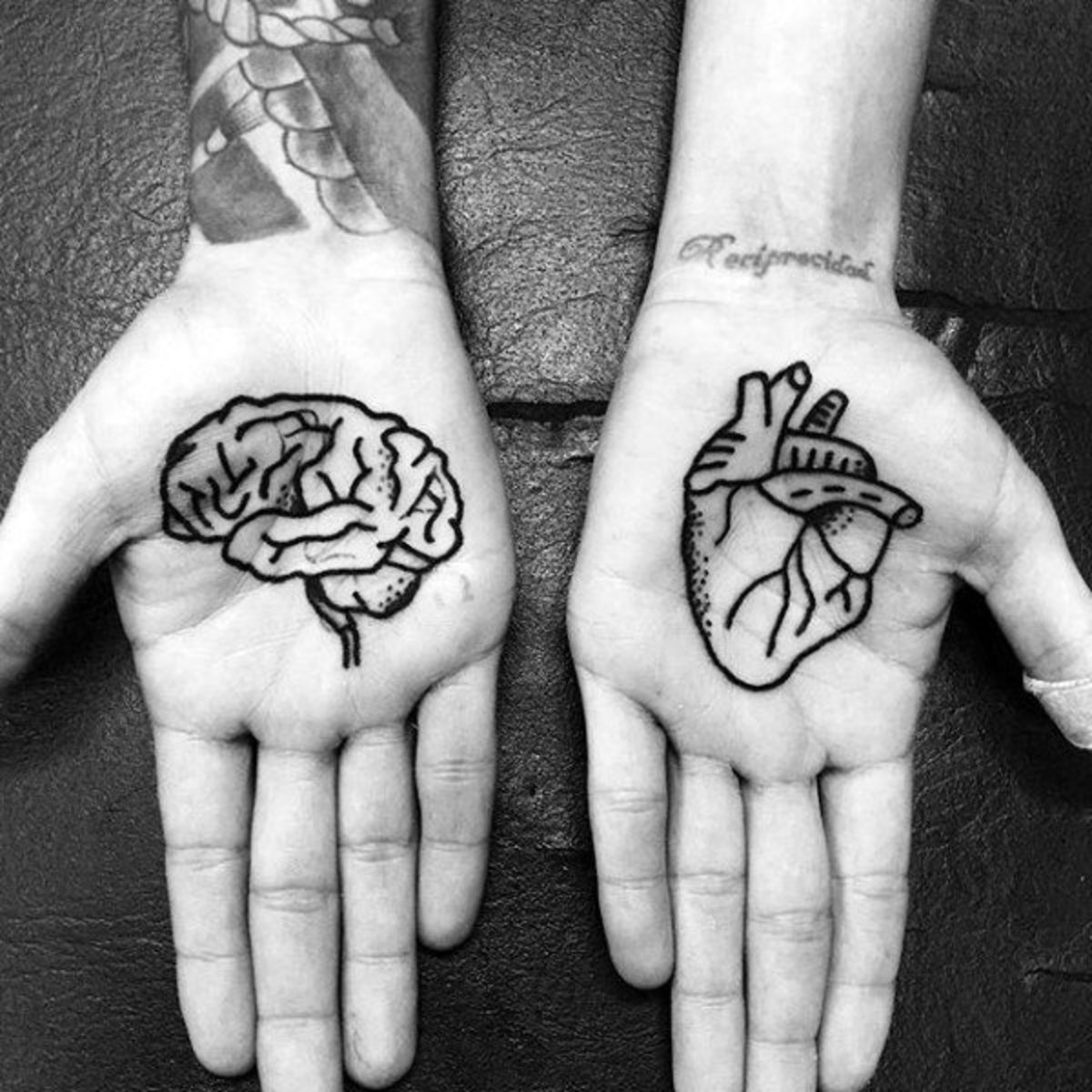 mens-palm-brain-heat-tattoo