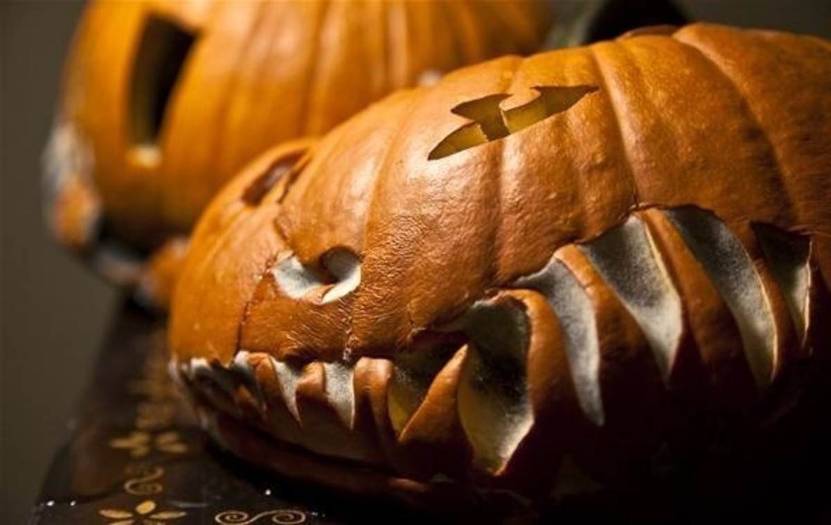 prevent-carved-uncarved-pumpkins-from-rotting.w1456