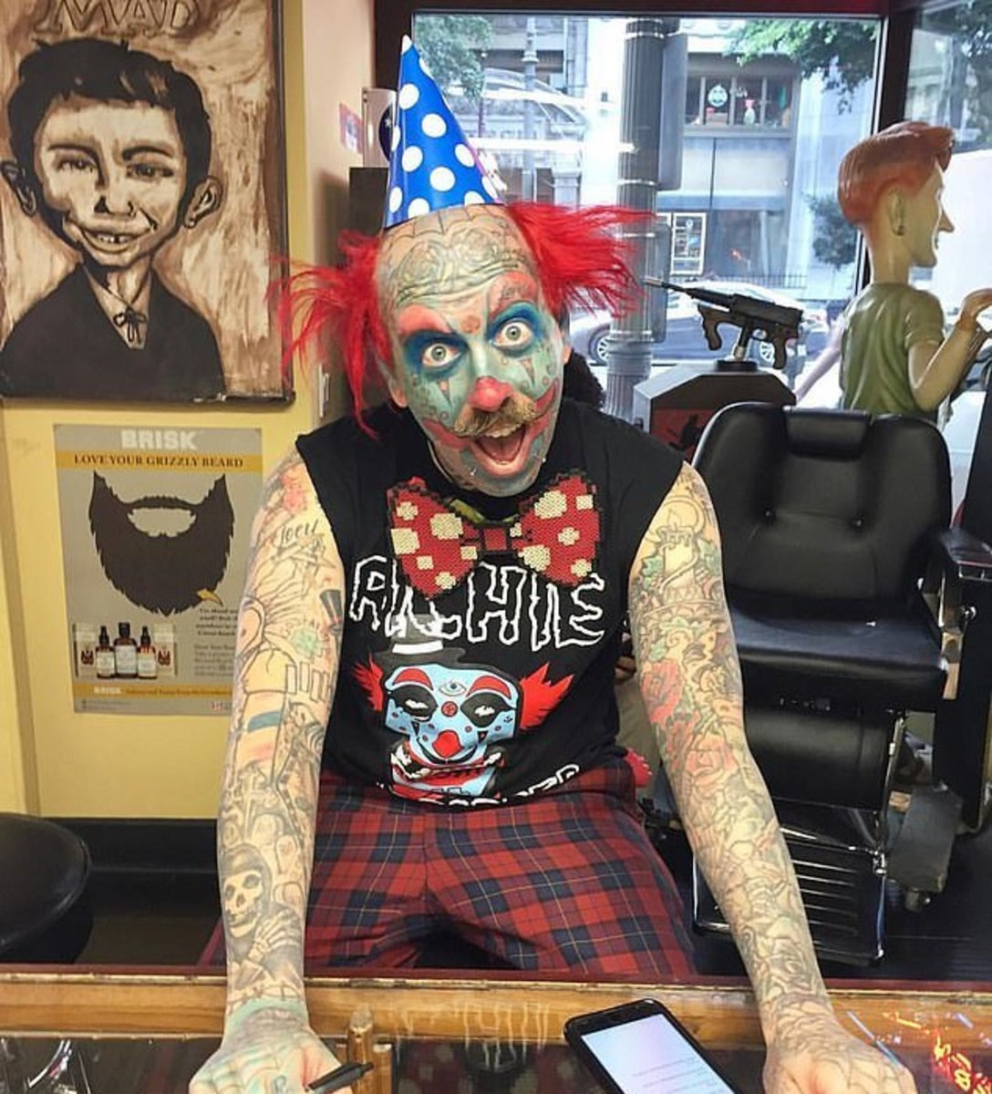 Man tattoos clown makeup, clown man, clown tattoo, richie the barber, clown barber