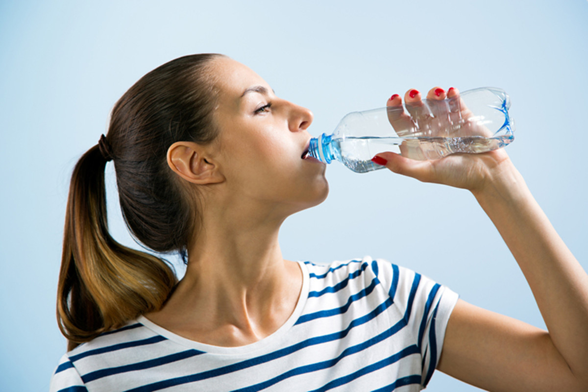 10-Ways-Drinking-Water-Can-Help-You-Lose-Weight-1