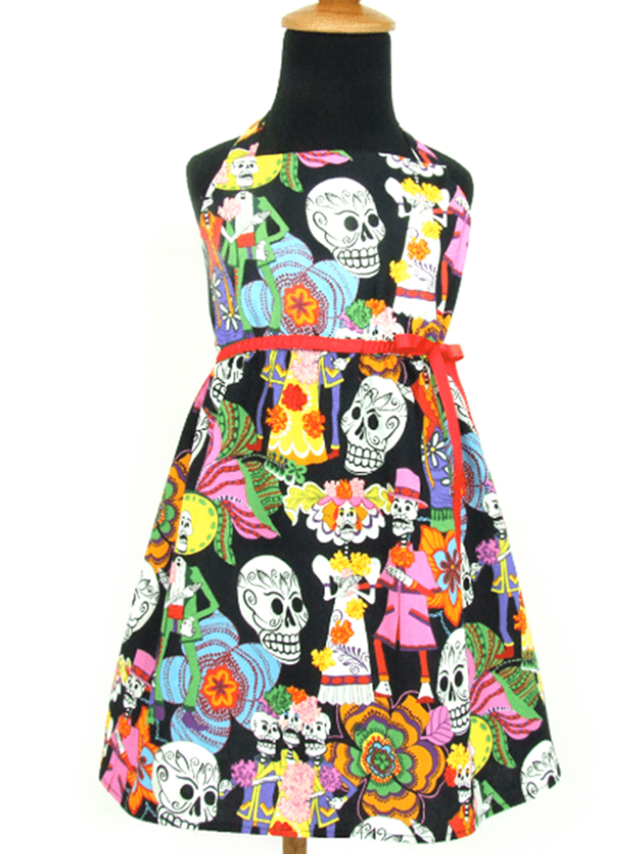 "GIRL'S ""NOVIOS"" DRESS BY HEMET"