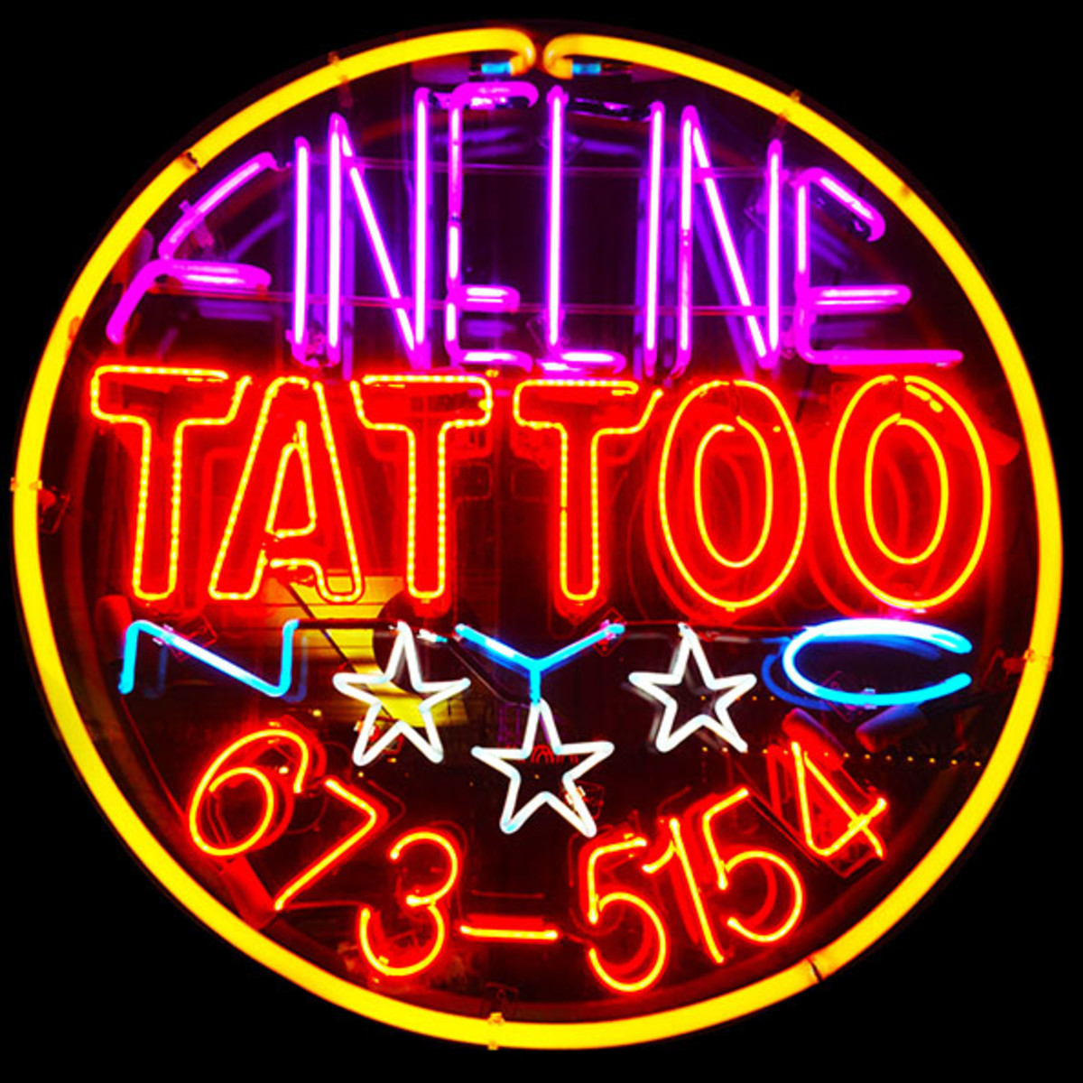 home_fineline-tattoo-nyc-neon-sign3