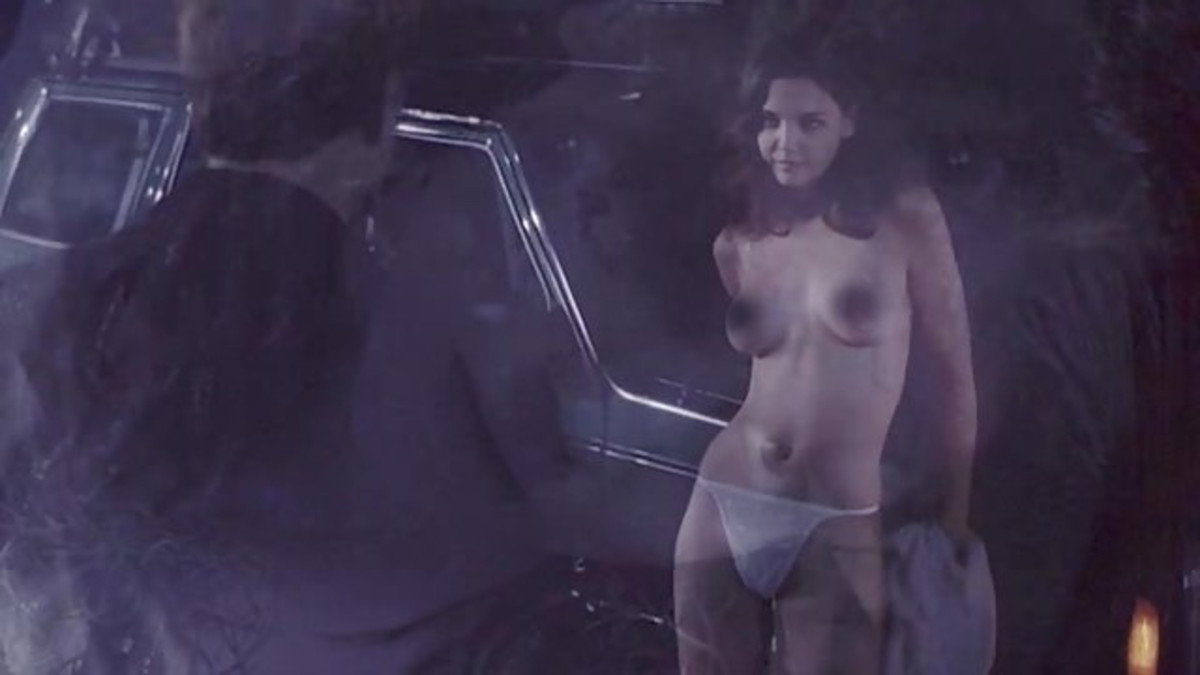 Not just Dawson Nerds were sex-static when Katie bared those perky C-cups to the murderous Greg Kinnear on that creepy swamp scene. That was Marie's first and last-to-date nude scene.