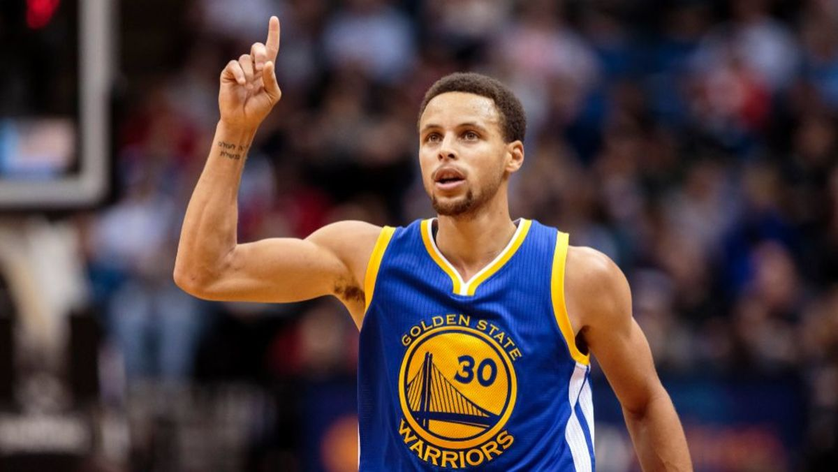 Steph curry, steph curry tattoos, steph curry tattoos tattoo artist, steph curry gives tattoo, Golden State Warriors, nba tattoos, celebrity tattoo artists, nino lapid, zebra tattoo, curry family tattoos, cleveland cavaliers, lebron james, Kevin Durant