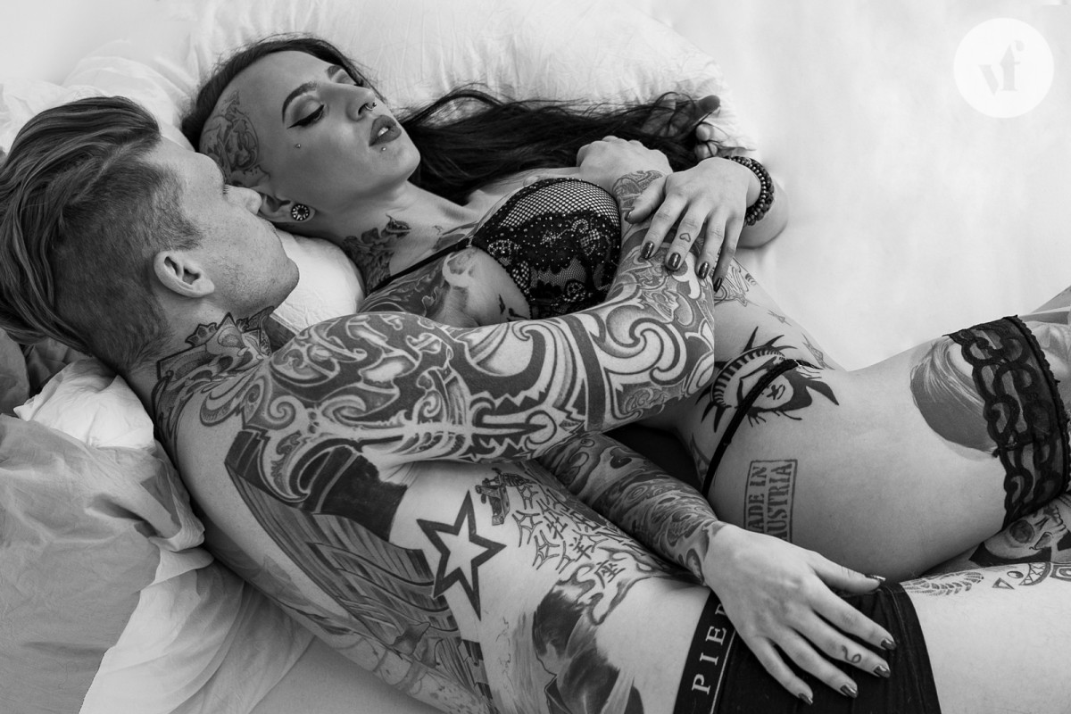 1600_shooting_tattooed_couple_logo_6