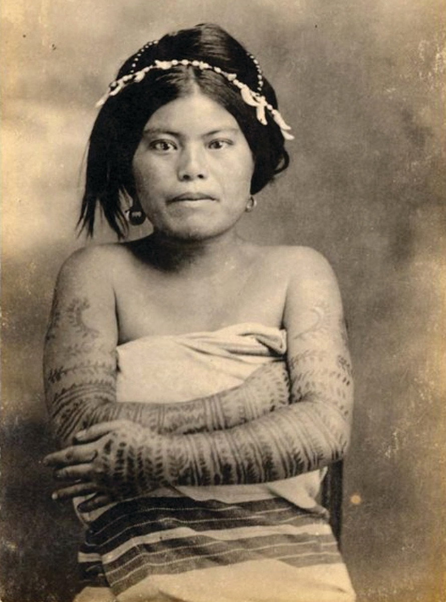 IGOROT WOMAN
