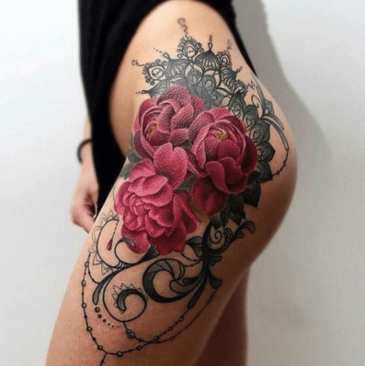 roses-side-tattoo
