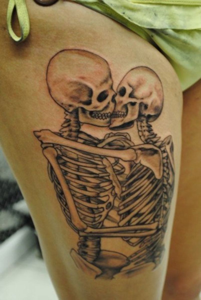 kissing-skeletons-tattoo