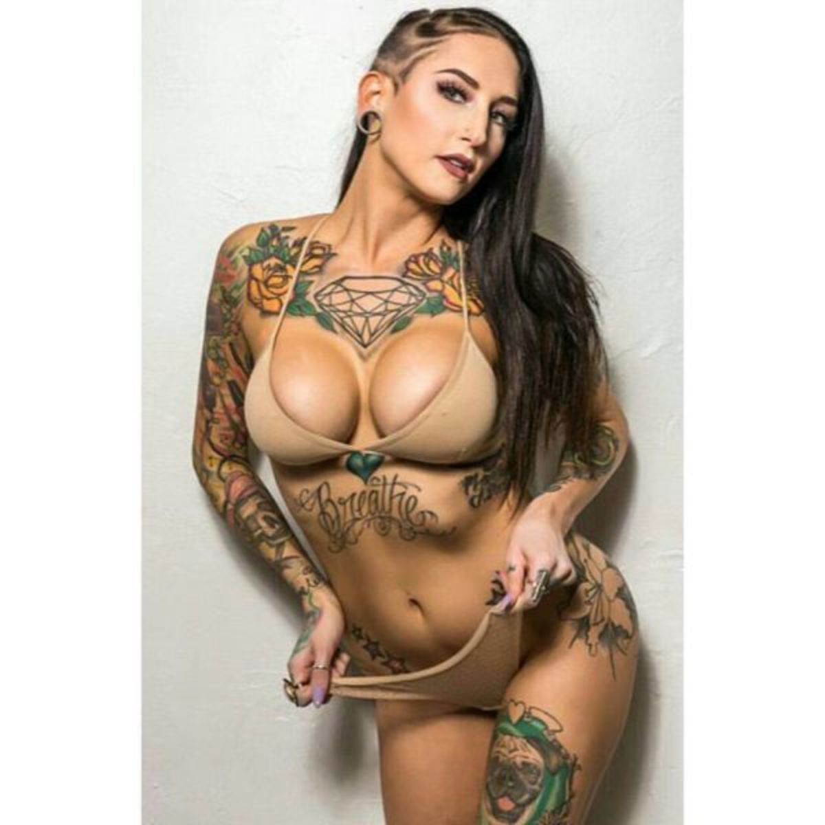 sexy-inked-girl-13