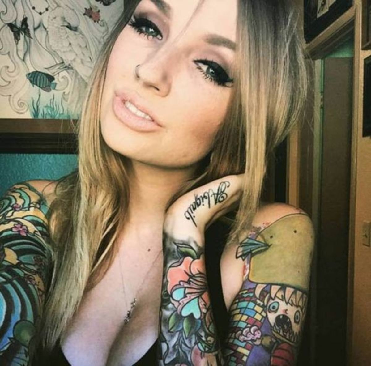 selfies-of-inked-girls-5