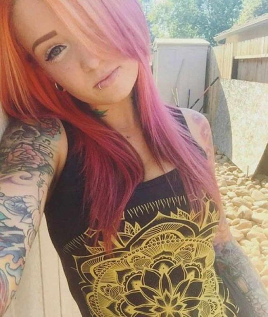 selfies-of-inked-girls-6