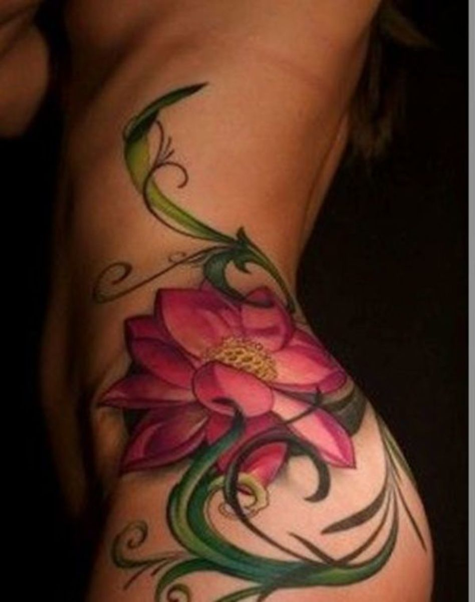blossoming_flower_sidepiece_tattoo