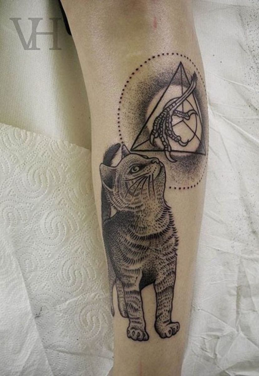 Cat Tattoos A lot of women really, really love cats. So it should be completely unsurprising that when they see a man with a feline tattoo that they are often quite smitten. It shows off a tender side that might be otherwise hidden.