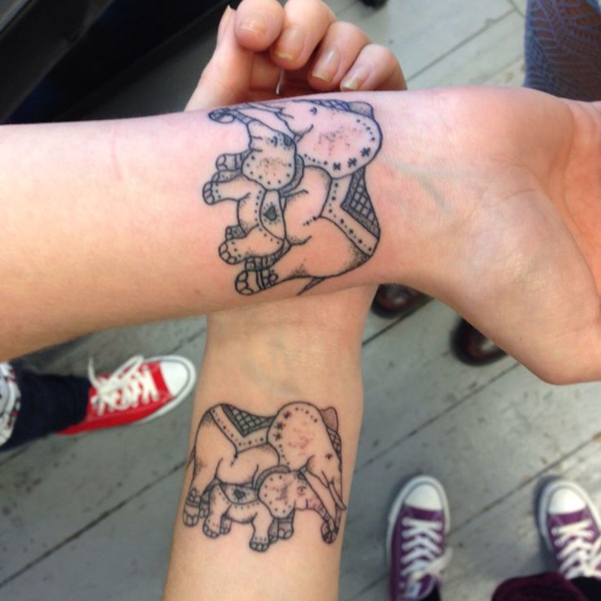 Mother-and-Daughter-matching-tattoos-Mom-and-baby-elephants
