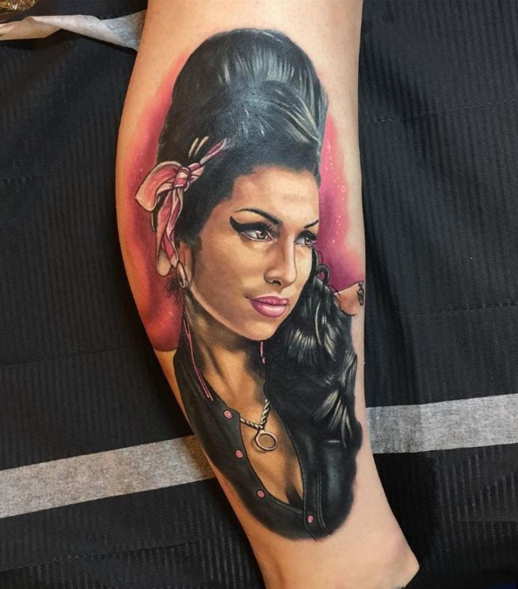 amy-winehouse-tattoo-1483170404k84gn
